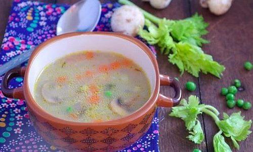 Перловый суп на мясном бульоне