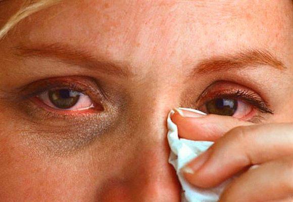 Почему болят глаза и что с этим делать